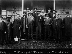 men outside of st bernards hotel 1910